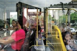 https://www.metrojornal.com.br/foco/2019/03/22/motoristas-cobradores-onibus-protestam-melhoria-salarial-veiculos-liberados-atraso.html