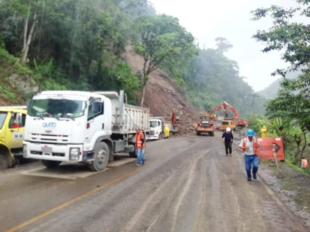 Vía Áloag - Santo Domingo