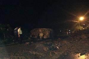 Deslizamiento de tierra en el km 68 de la vía Alóag- Santo Domingo