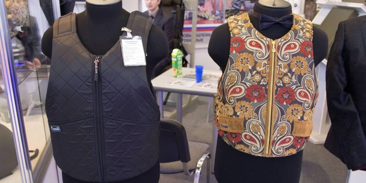Aquí lo último en la moda de chalecos antibalas Gucci y Armani