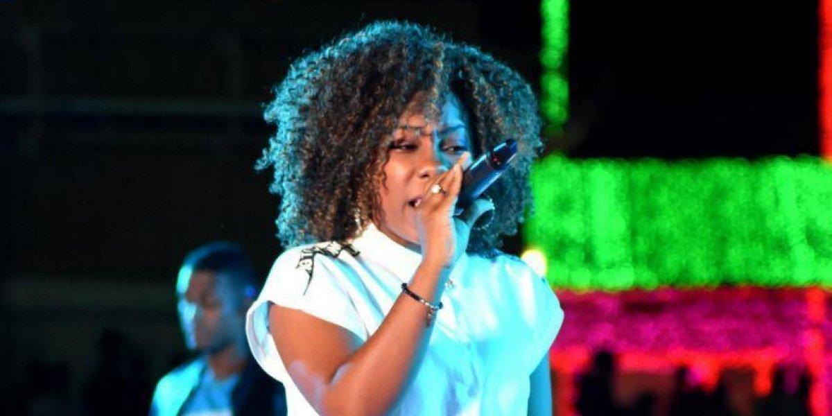 """Cantante Cristiana B-On estrena vídeo del tema """"Deja tu paquete"""""""