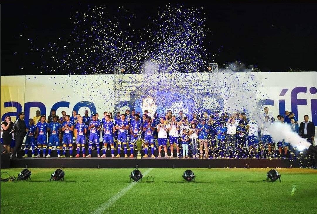 Noche Cetácea:Delfín golea 5-2 a Armadillos, de México, previo a su debut en Libertadores
