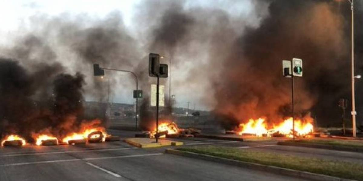 """""""Guerra de la jibia"""": barricadas y caos vial se apoderan del Gran Concepción en nueva jornada de protestas"""