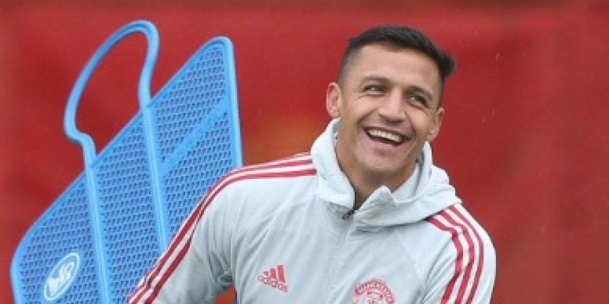 Alexis volvió a los entrenamientos con Manchester United y está listo para jugar en la Premier League