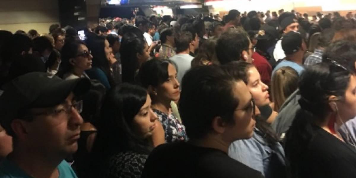 Indignación de los usuarios del Metro de Santiago tras interrupción del servicio en la Línea 1