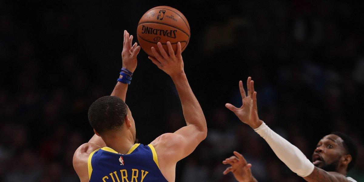 Golden State Warriors se dio un paseo para cortar racha de los Nuggets y sumar otro récord