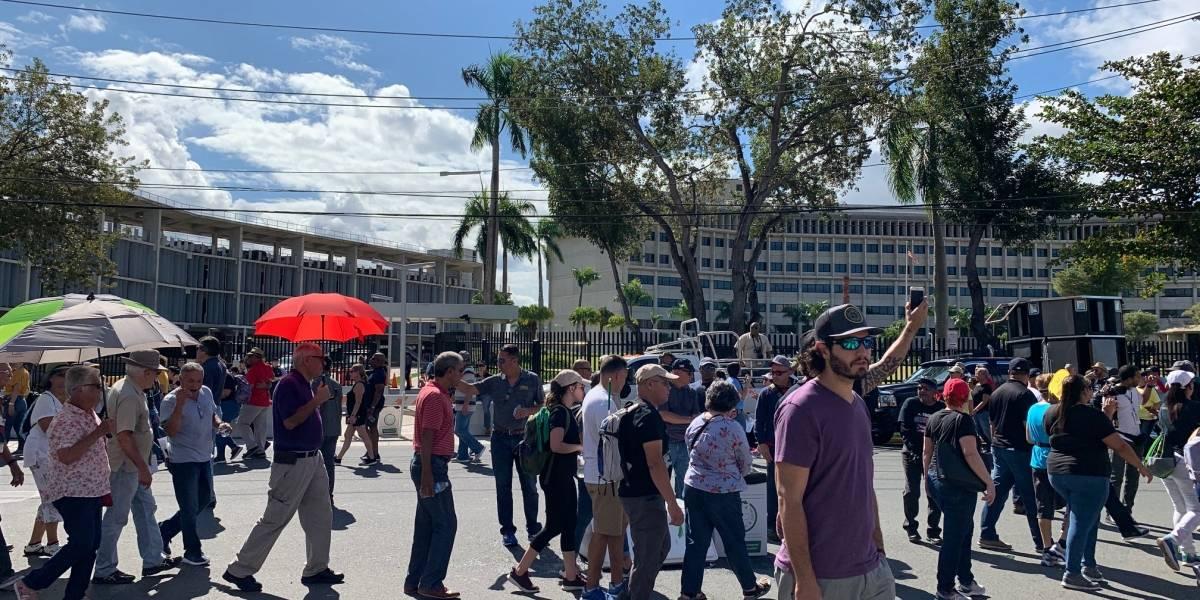 Manifestantes repudian acuerdo de COFINA frente al Tribunal Federal