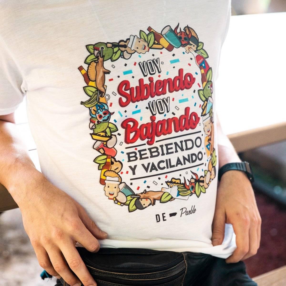 Las camisas De Pueblo las puedes adquirir en el DUTY FREE del Aeropuerto Internacional Luis Muñoz Marín o en la página web www.shopdepueblo.com. También puede adquirirlas comunicándose al 787-998-5660. / Suministrada