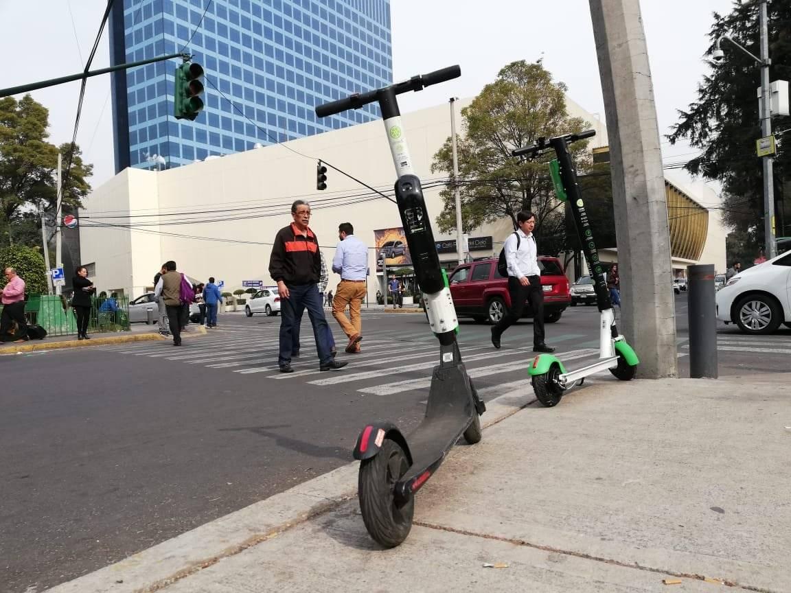 Los vehículos podrán estacionarse sobre la banqueta. Foto: Nicolás Corte
