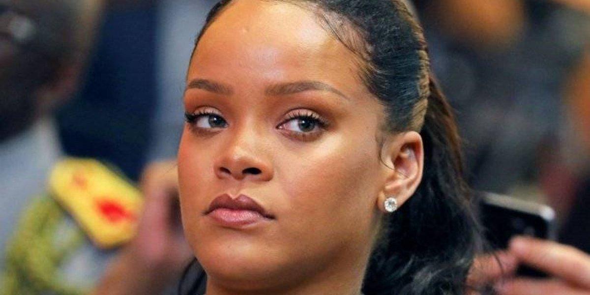 Rihanna demandó a su progenitor por usar su marca para lucrarse