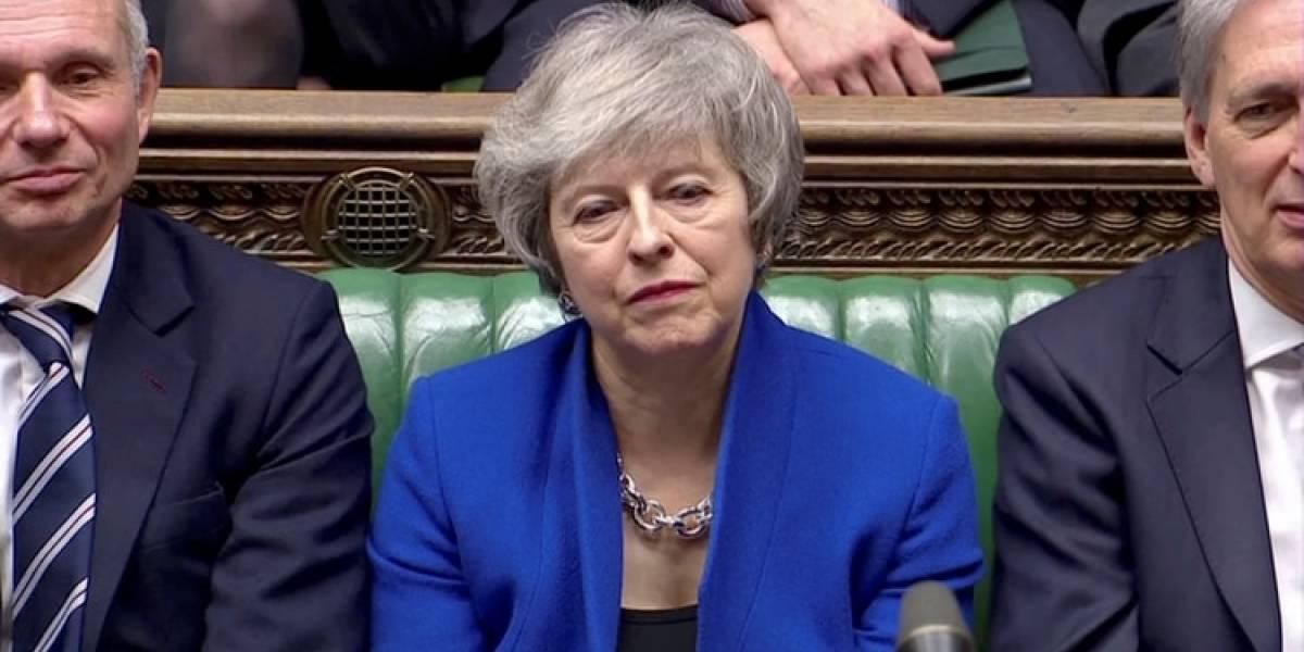 Theresa May supera la moción y no  se va: ¿Qué viene ahora para el Brexit?