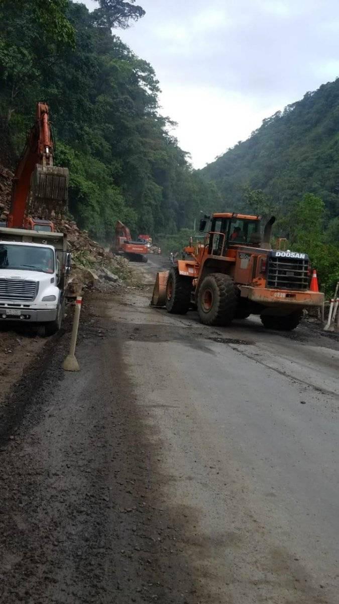 La vía Alóag- Santo Domingo está habilitada parcialmente tras segundo derrumbe Cortesía ECU 911