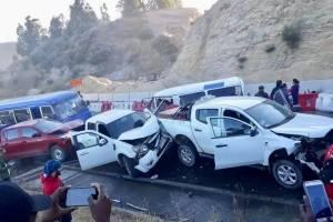 Impactante video de grave accidente en Constitución tras colisión de bus, camión y varios autos: hay 13 heridos de gravedad