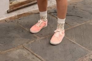 Los zapatos de la SanSe by Dennis Jones