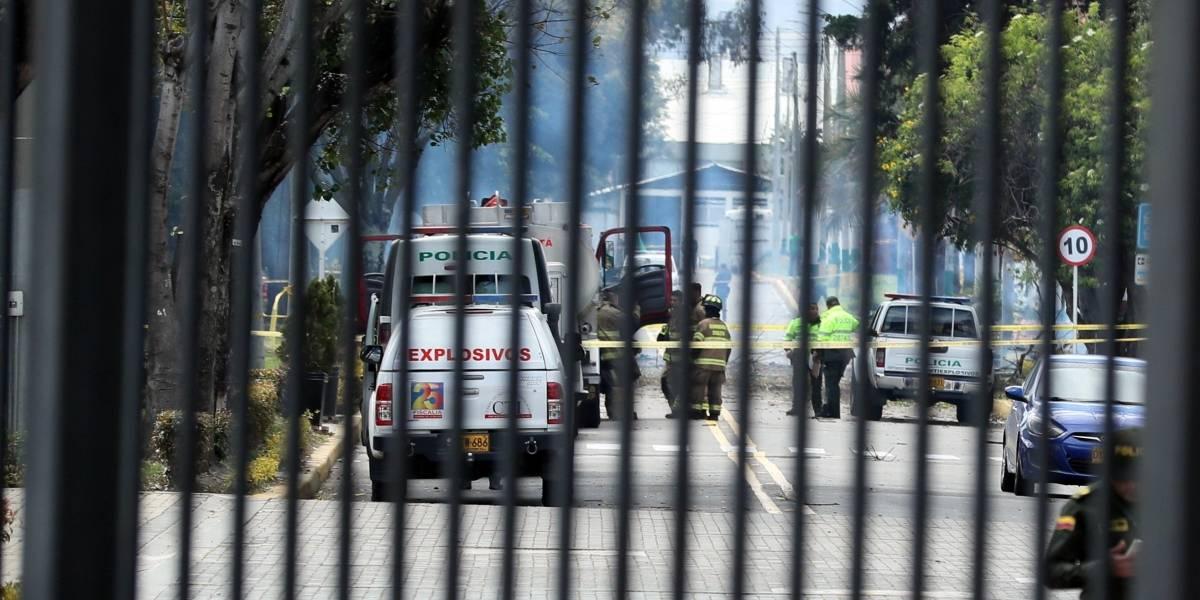 Fotos: Así quedó la Escuela General Santander después de la explosión de un coche bomba en Bogotá