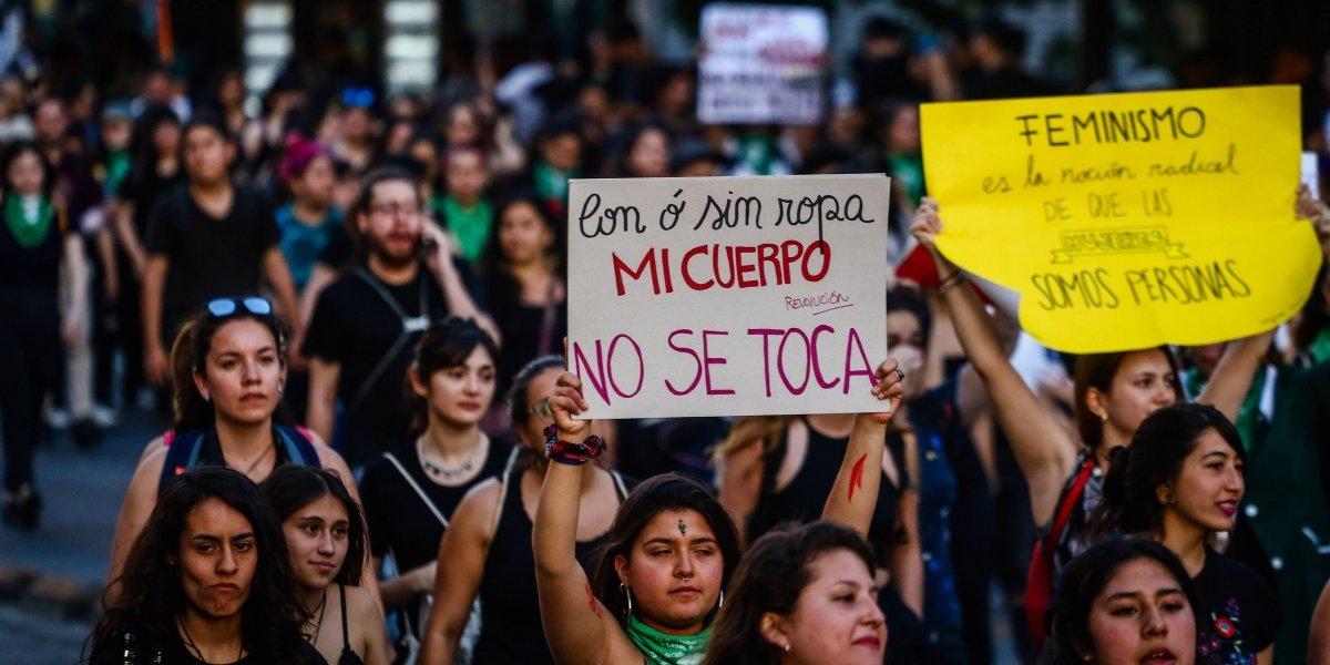 Apoyo transversal en el Congreso: Cámara aprobó ley que protege a mujeres de violencia en el pololeo y acoso callejero