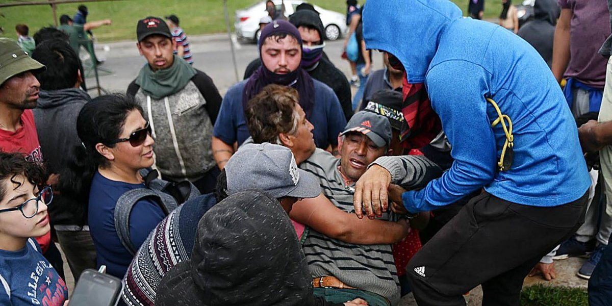 """""""Guerra de la jibia"""": Pescadores denuncian uso de perdigones por parte de Carabineros en Valdivia"""