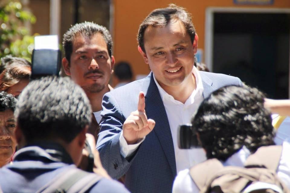 Roberto González participará como candidato a alcalde de Creo. Foto: Facebook