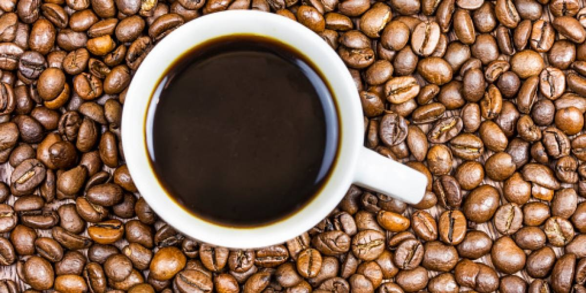 Todo por su adicción al café: mujer se rompió tres costillas sólo por toser