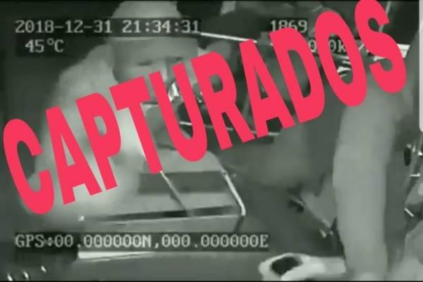 Detenidos dos implicados que asaltaron e hirieron a conductor de bus de la línea 70 en Guayaquil.