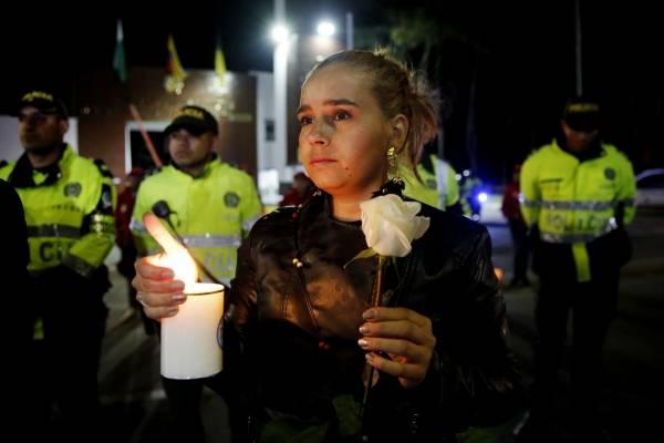 Colombia: La Policía eleva a 21 la cifra de muertos en atentado