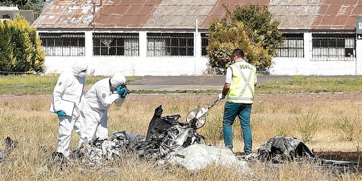 """Avioneta que capotó en Tobalaba: alcalde de La Reina acusa operación de """"escuelas informales"""" de vuelo"""
