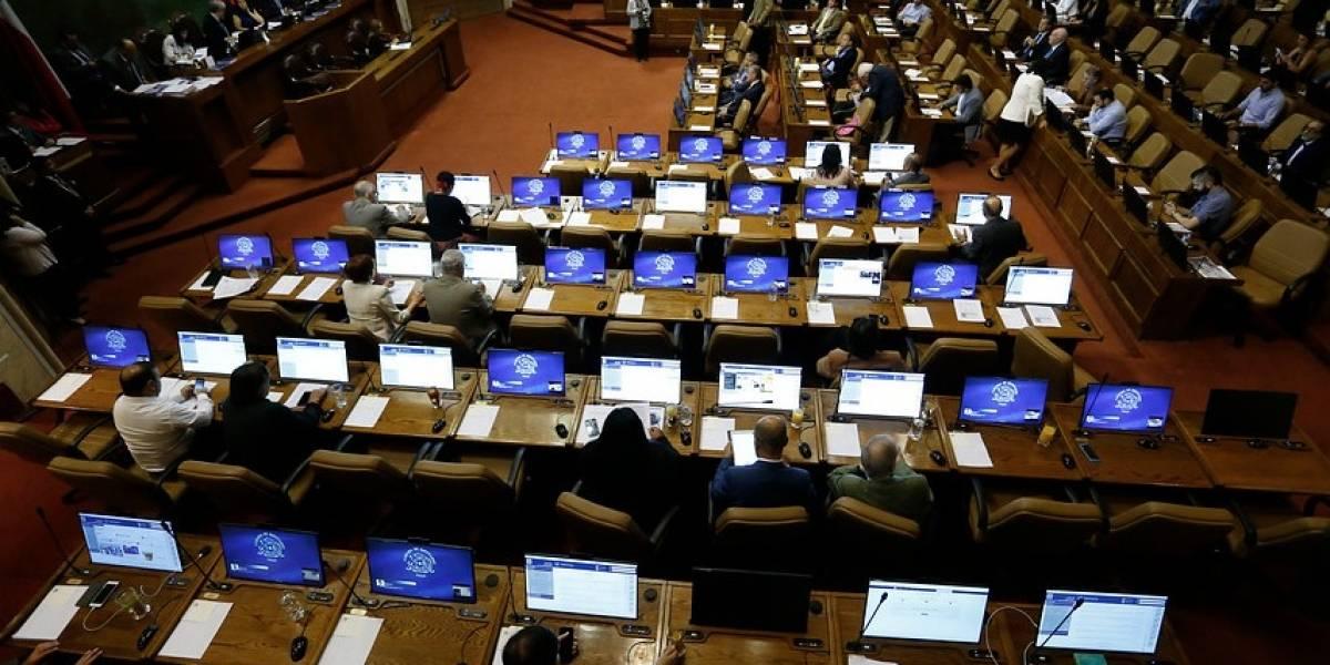 """Un """"debate de alto vuelo"""": número dos de la Cámara se enfrenta al Presidente Piñera por vacaciones en febrero"""