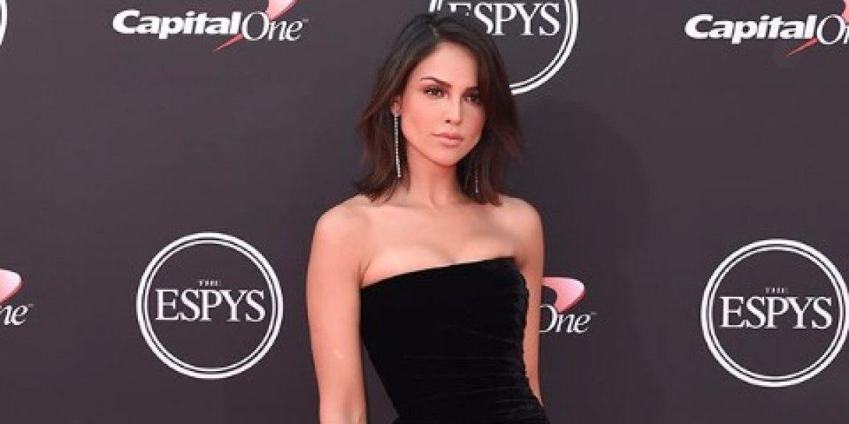 Critican a Eiza González al mostrar suciedad en sexy bikini