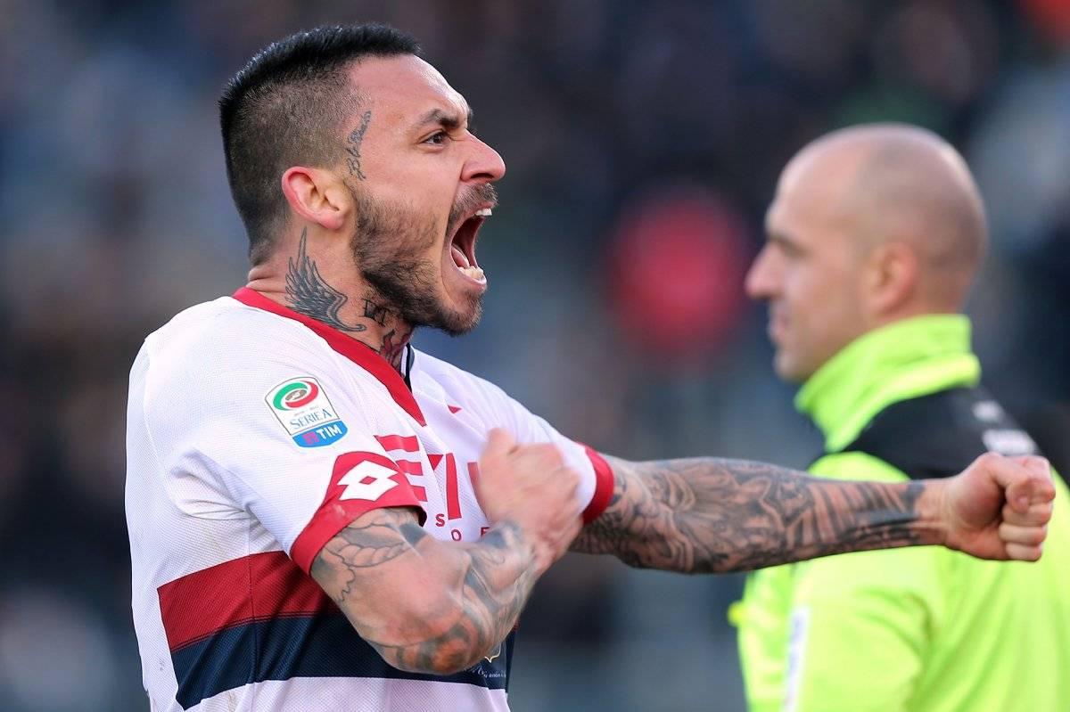 Mauricio Pinilla jugando por el Genoa de la Serie A italiana / Getty Images