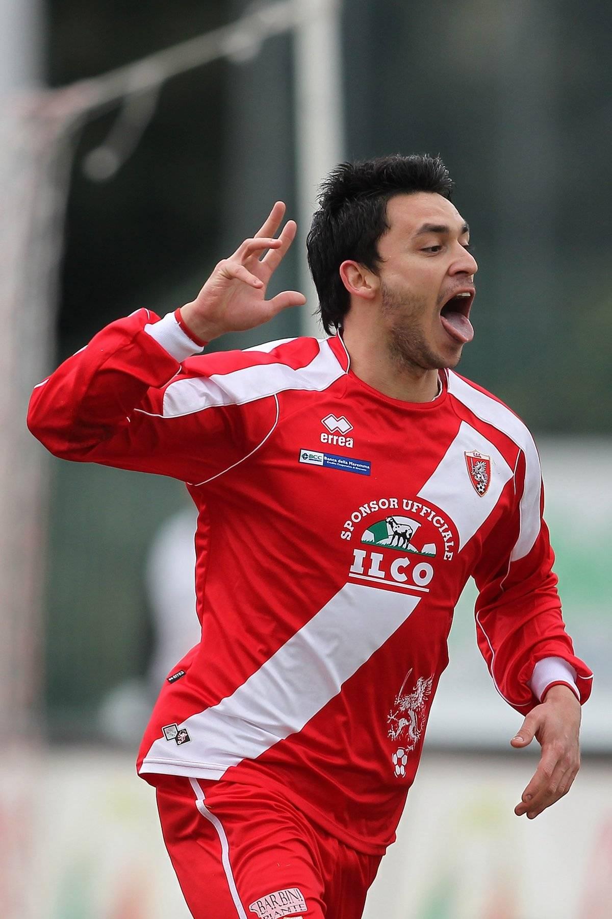 Pinilla en su paso por el Grosseto de Italia temporada 2009-10. / Getty Images