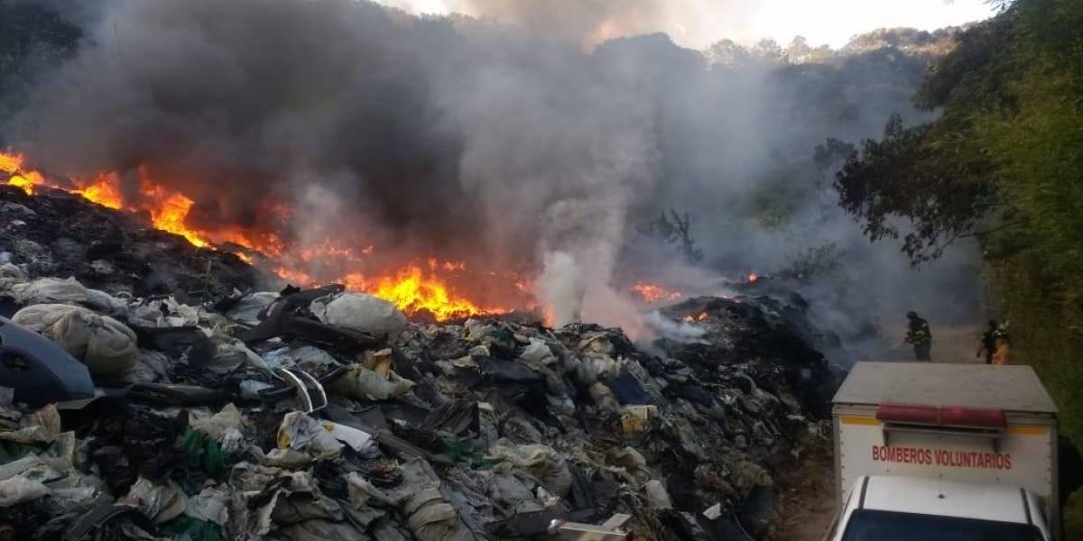 Se incendia recicladora en Villa Canales
