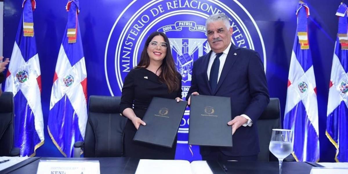 CONANI y MIREX firman convenio para facilitar retorno de menores de edad a sus familias