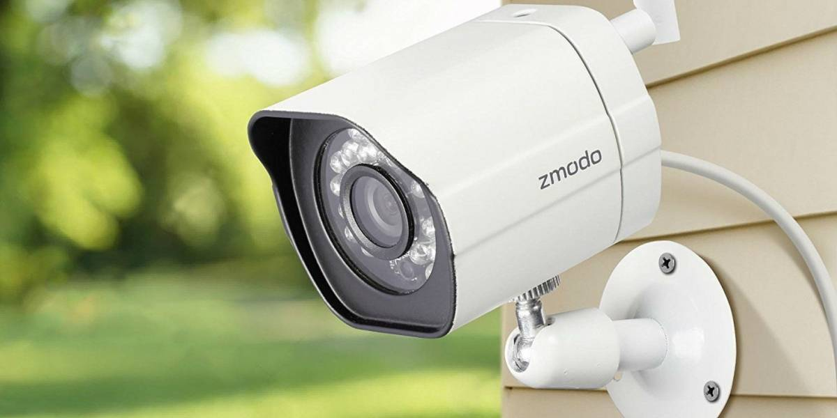 Familia alquiló una casa en Airbnb y se dieron cuenta que los estaban vigilando con cámaras ubicadas en su interior