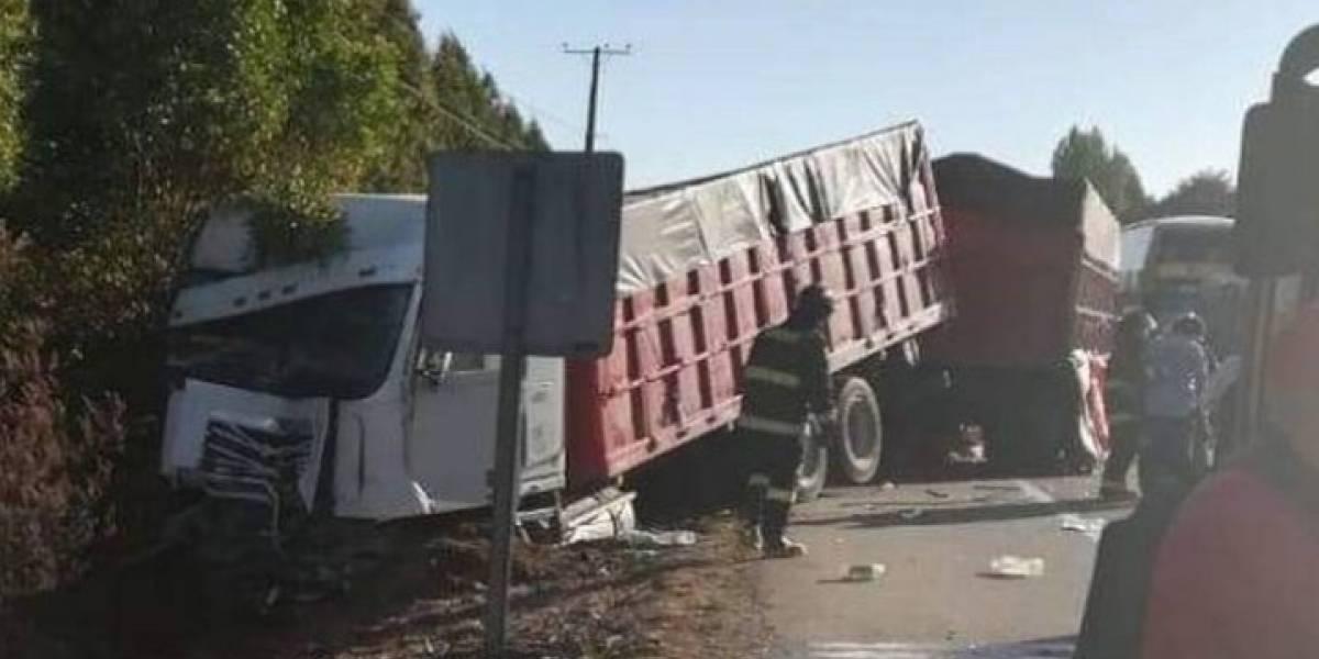 Nueva tragedia vehicular enluta a Valdivia: choque múltiple deja tres víctimas fatales en la Región de Los Ríos
