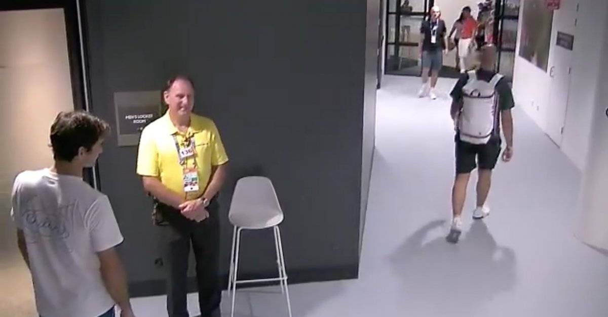 Guardia de seguridad impidió que Roger Federer entrara a su camerino sin carnet