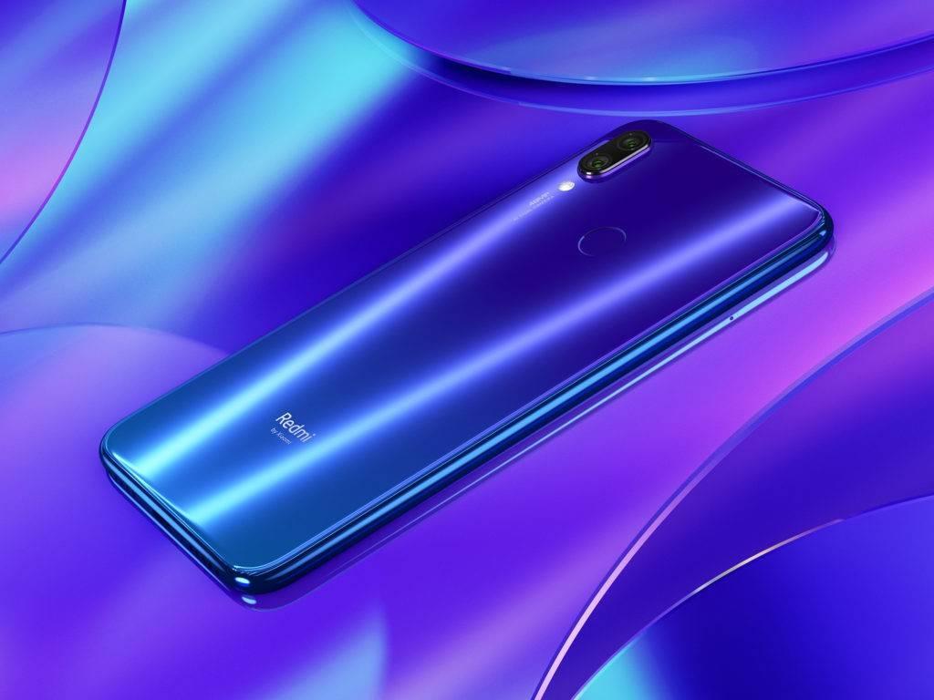 Intentan taladrar un teléfono de Xiaomi en una prueba de durabilidad y no le pasa nada