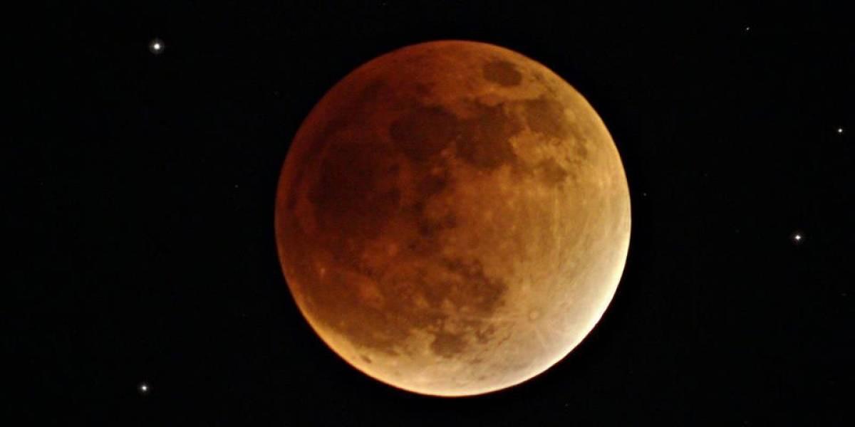 Expectativa vs Realidad, así inmortalizaron el eclipse lunar con su teléfono