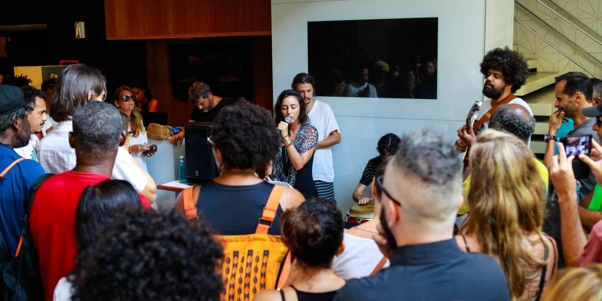 Familiares e fãs dizem adeus a Marcelo Yuka, fundador d'O Rappa