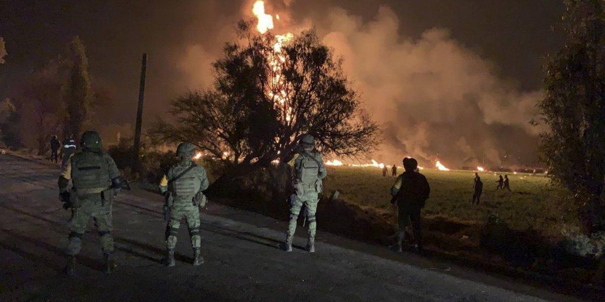 Sube a 79 cifra de muertos por explosión de oleoducto en México