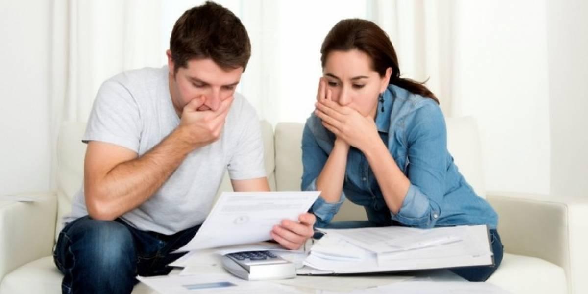Pros y contras de solicitar un crédito para pagar tus deudas
