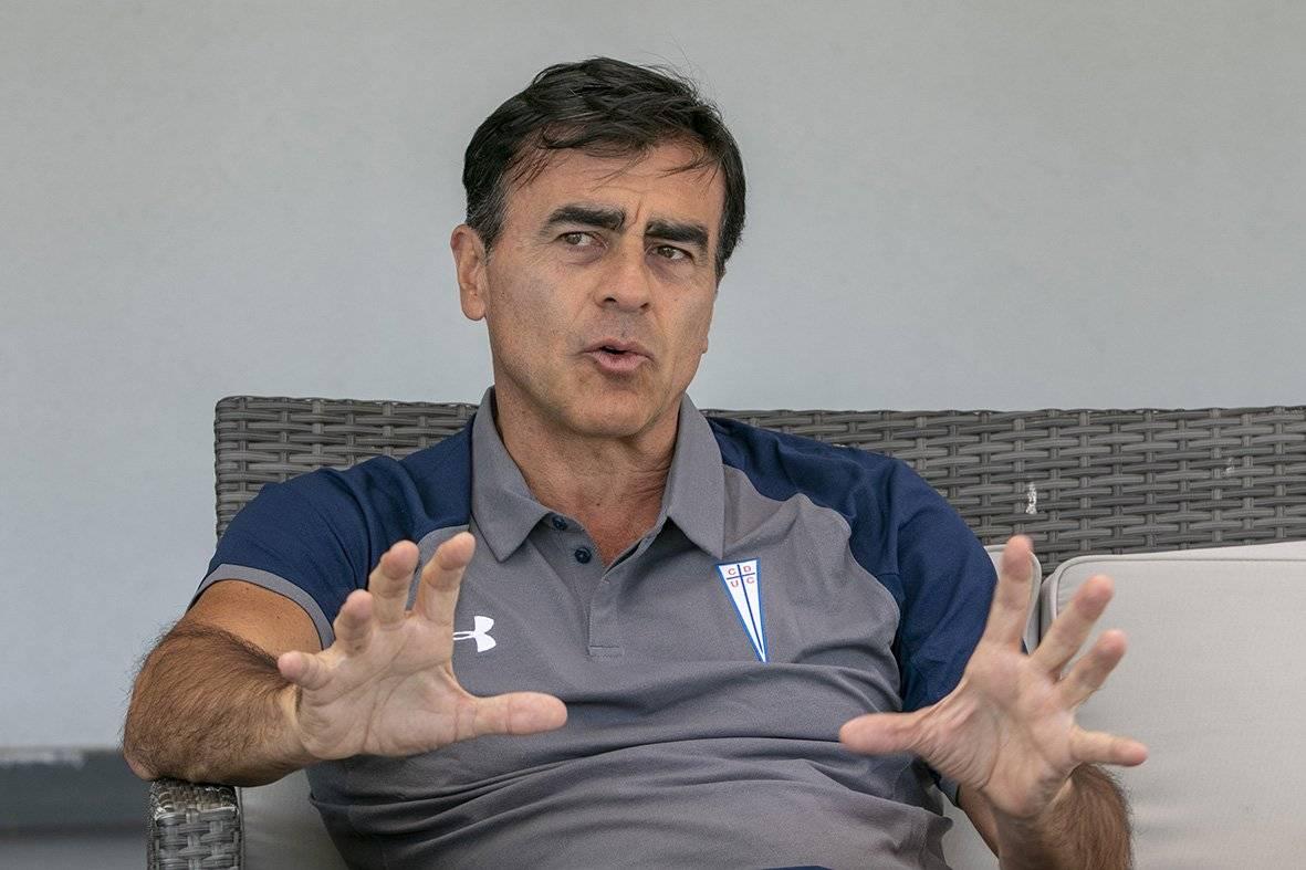 Gustavo Quinteros firmó un contrato por dos temporadas con la UC / Foto: Sylvio García