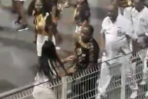 https://www.metrojornal.com.br/foco/2019/01/20/video-membro-da-diretoria-da-vai-vai-agride-mulher-durante-ensaio-no-anhembi.html