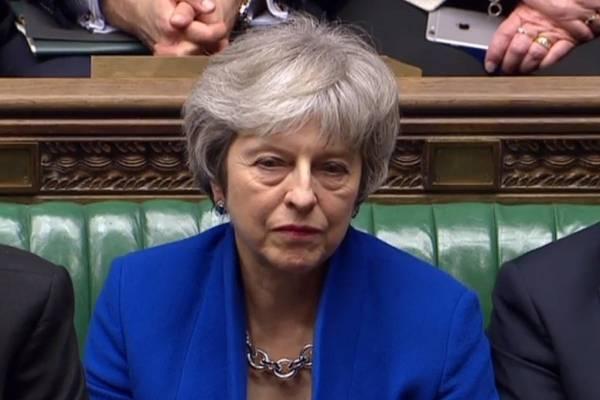 theresa may parlamento britânico