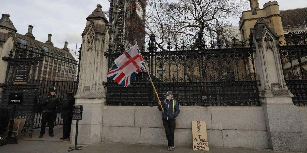 May se juega sus últimas cartas: el plan B con el que el gobierno británico busca salvar el Bexit