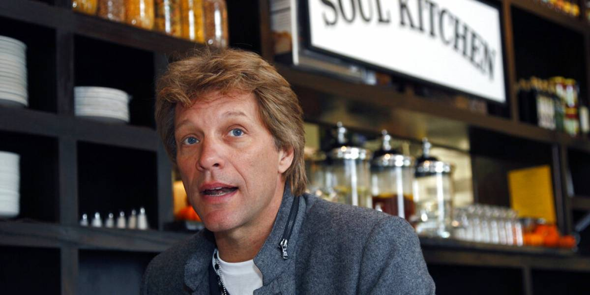 Restaurante de Bon Jovi regalará comida a empleados de gobierno