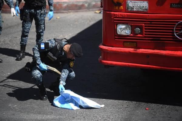 Atentado con bomba en bus de la ruta 32 en la zona 7