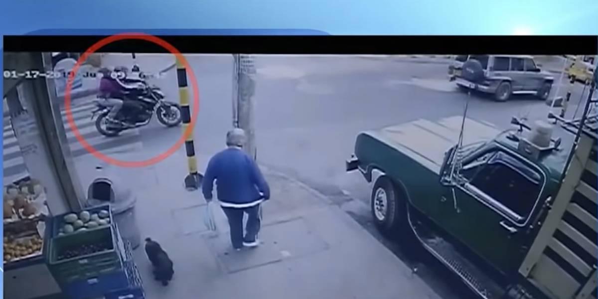 Investigan misteriosa moto que custodiaba la camioneta del atentado a la Escuela de Cadetes