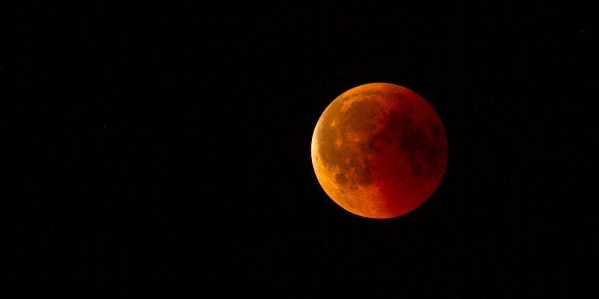 Así se vio el eclipse lunar total en diferentes partes del mundo