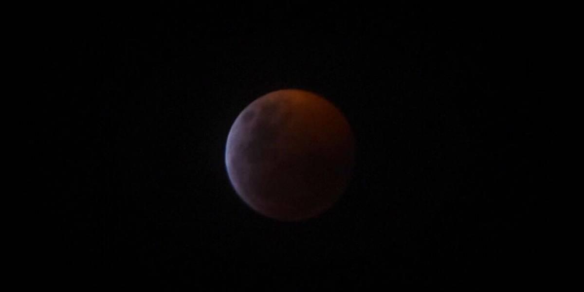 """EN IMÁGENES. El eclipse y la espectacular superluna """"de sangre"""""""