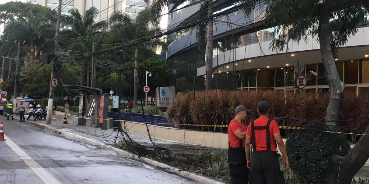 Incêndio em fiação interdita faixas da marginal Pinheiros
